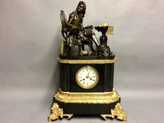 Very large and heavy French pendulum, black marble with bronze statues - Period 1820