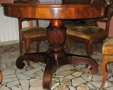 Walnut expandable dining table - Italy, 2nd half of the 19th C