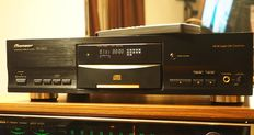 Pioneer PD-S507 Stable Platter CD player with Legato Link D/A conversion;