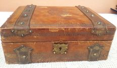 Box, case, paper holder, in leather with iron studs and handles-1920 ca, Italy
