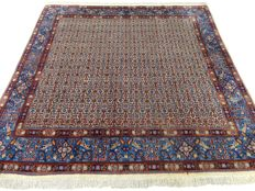 Maud - 207 x 214 cm - modern, square eye-catcher - with silk - Persian carpet in wonderful condition.