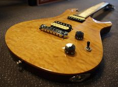 Nieuwe Michael Kelly Valor Custom Quilted, electric guitar