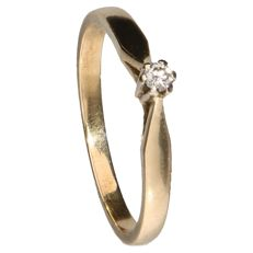 14 kt yellow gold solitaire ring set with a brilliant cut diamond of 0.03 ct, inner size: 15.75 mm