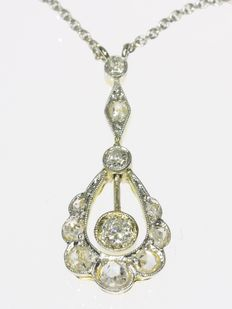Belle Epoque bicolour gold diamond pendant with necklace, anno 1910