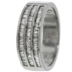 18 kt white gold women's ring with diamonds