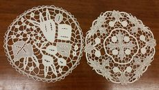 Two pillow lace doilies, around 1925, Italy, from a private collection