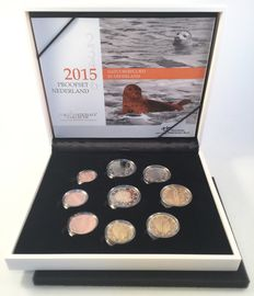 "The Netherlands - year pack 2015 (Proof) including 2 Euro coin ""30 years of European flag""."