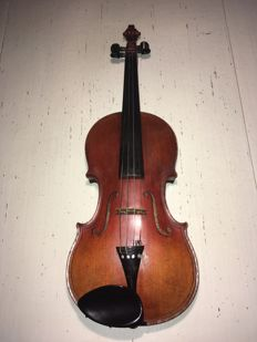 Violin, replica Casper da Salo. German make from around 1927.