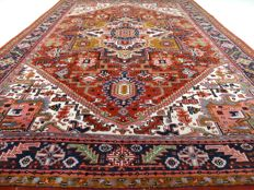 "Herez - 350 x 243 cm - ""Sturdy, oriental carpet - eye-catcher in XL size and in beautiful condition"" - Note! No reserve price: bidding starts at 1 Euro"