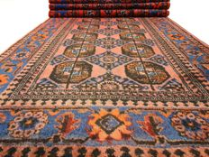 "Bukhara - 340 x 116 cm - ""Persian runner in beautiful, nearly unused condition""."