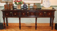Beautiful oak William & Mary dresser - English - circa 1700-30.