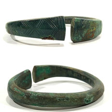 Celtic bronze bracelet decorated with a pattern - 64 mm