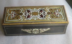 Glove box in Boulle technique, tortoiseshell and brass - Napoleon III - France - ca 1870