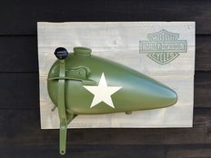Harley Davidson - Tank with handle on wood - left half