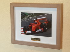 Michael Schumacher - Benneton/Ferrari 7-time formula 1 world champion - beautiful 3D framed hand-signed photo + COA.