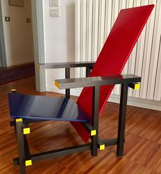 "Gerrit Rietveld for Cassina – chair ""Rossa e Blu"" (red and blue chair)"