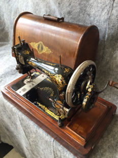 Great antique Singer 28 sewing machine, 1904