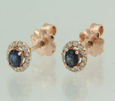 14 kt rose gold ear studs with sapphire and 24 brilliant cut diamonds, measurements 7.1 x 6.1 mm