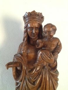 Mary with the child Jesus in the arms in oak wood - France or Germany - 19th century