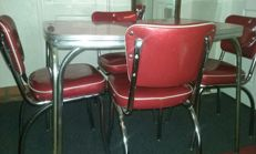 Retro 4 Chairs and Table