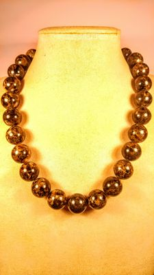 Amber beads necklace, dark marble colour, no reserve, 90 grams