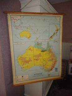 Beautiful wall map of Australia (B. & Rusch) from the '50s