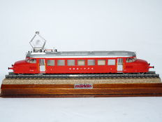 "Märklin H0 - 3126 - Electric locomotive RCe 2/4 ""Roter Pfeil"" of the SBB FFS"
