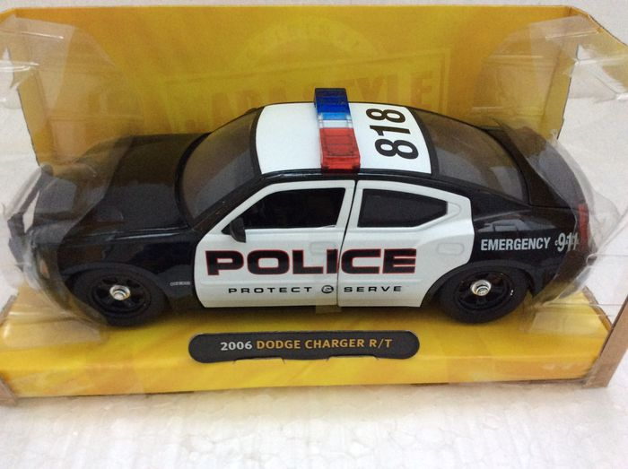 Jada / Maisto - Scale 1/24 - Lot with 6 police models: Dodge Charger