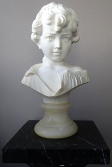 Beautiful bust - Signed G. Bessi