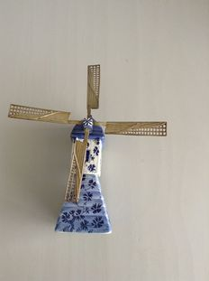 Porceleyne Fles Delft  - Rare mill with wings with a cork connecting the upper and lower parts