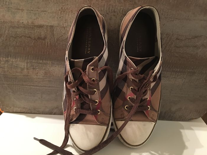 Burberry - Shoes For Men