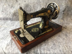 Great antique Singer 28K sewing machine, 1925
