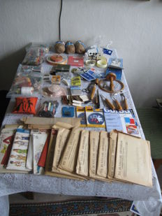 Large lot of haberdashery and paper patterns, starting from 1930, Netherlands