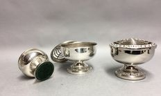 Three silver plated rose bowls, two medium and one small model, Ianthe, England, ca. 1960