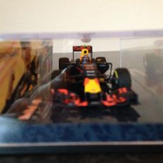 Minichamps - Schaal 1/43 - Red Bull RB 12 Max Verstappen 'The first win' Spain 2016