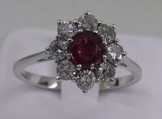 18 kt gold ring with 0.50 ct ruby and 0.50 ct diamonds – Size 17.2 mm - Size: N (UK), 6.75 (USA)