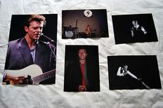 David Bowie, big photo, 1990 30 x 40 cm + a set of 4 photos 1973 - 1978 20 x 30 cm