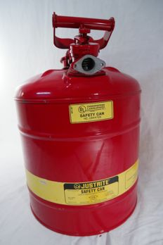 "Red fuel tank ""Safety Can"" of the brand Justrite."