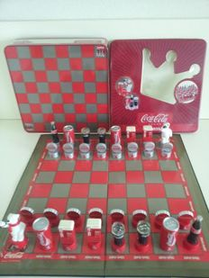 Coca Cola chess game in metal storage box - 2003