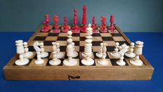 Excellent English antique chess, 18th or 19th century with wooden board.