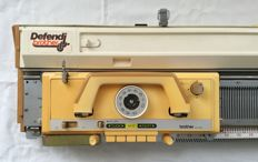 Brother KH 830 - portable knitting machine