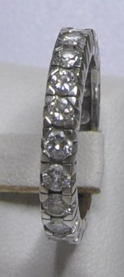 14 kt white gold eternity ring with approx. 2.00 ct E/VVS