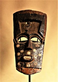 Very old sublime mask - LELE - D.R. Congo