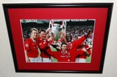 OLE Gunnar Solskjaer original signed photo - Deluxe Framed + COA