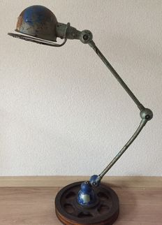 Jieldé – industrial 2-armed lamp on brake disc