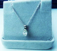 White gold solitaire pendant of 0.58 ct – including necklace and certificate