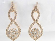 Rose gold ear studs set with 112 cut diamonds, 1.02 ct in total