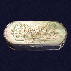 Dutch silver and mother of pearl tobacco box with Eros and Paris - 18th century