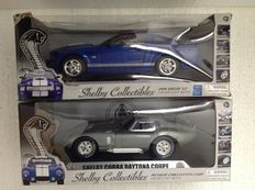 Shelby Collectibles - Scale 1/18 - Shelby Cobra Daytona Coupe 1965  &  Shelby GT 2008