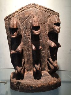 Magnificent ancient sculpture in hard wood - DOGON - Mali